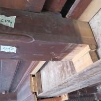 V škatle oblečeni I profili - leseni nosilci